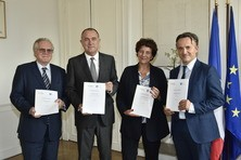Remise du rapport Inra-Irstea
